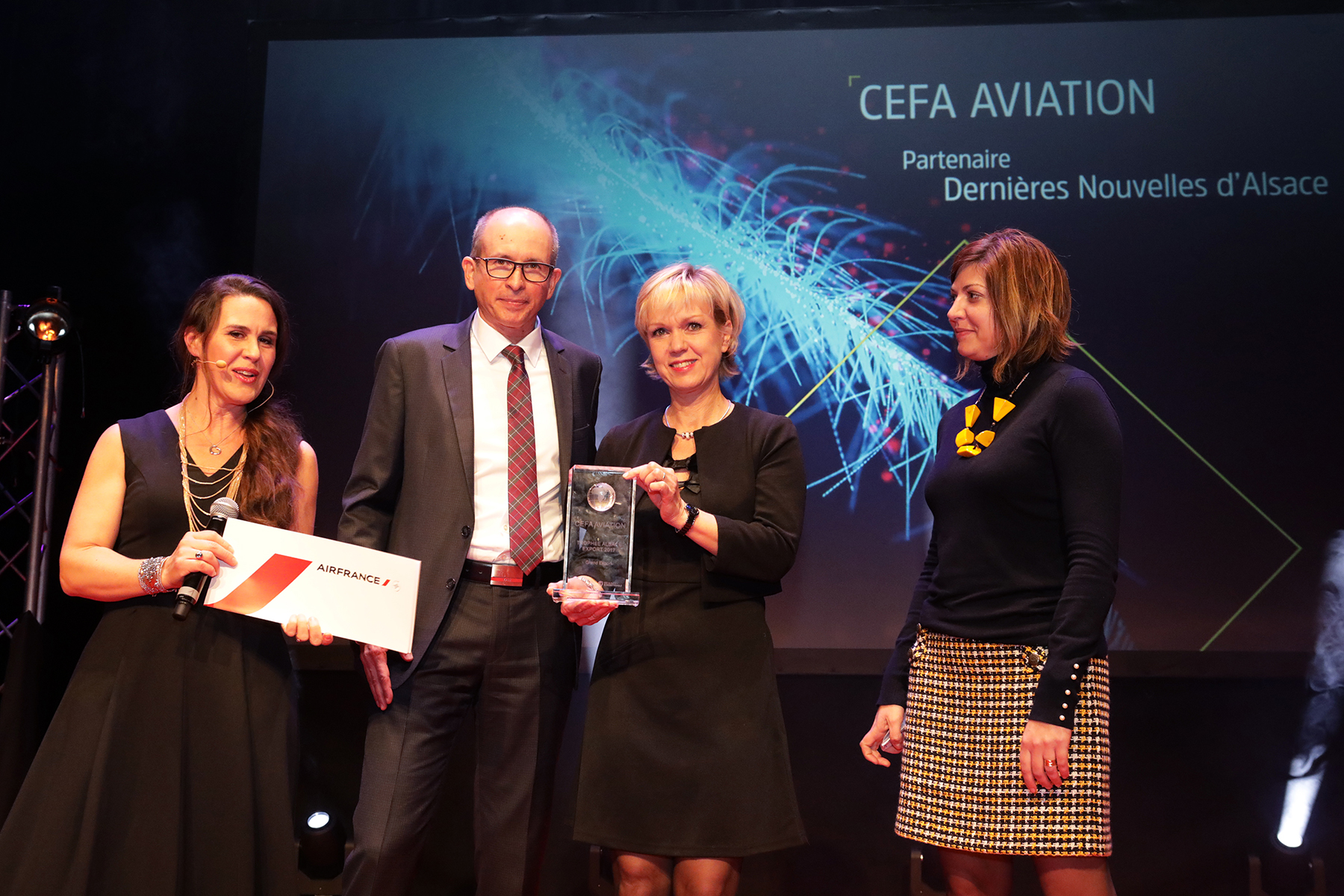 CEFA Aviation awarded with the Great Export Trophy by the International Chamber of Commerce